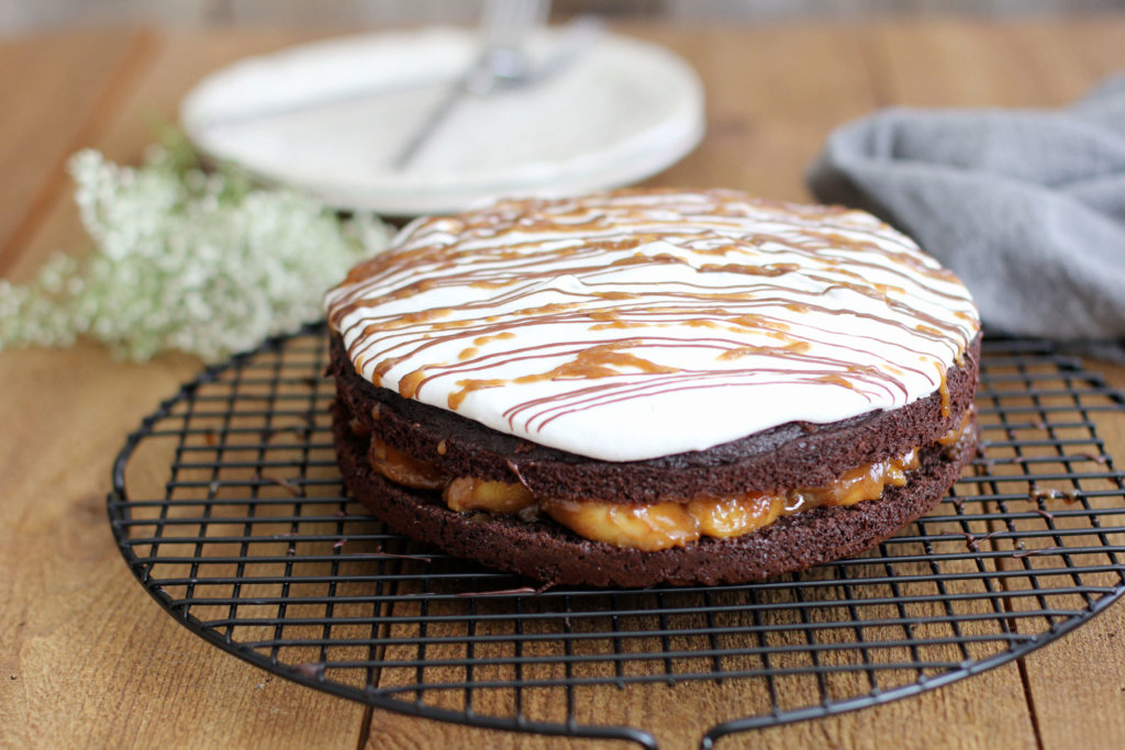 Chocolate Cake with Banana Foster Filling: Jessi's Kitchen